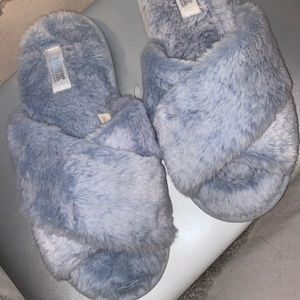 VS Pink. Light Blue Crossover Slippers. Size 5-6